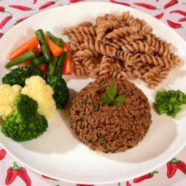 Carne de Soja Moída + Macarrão Integral + Mix de Legumes