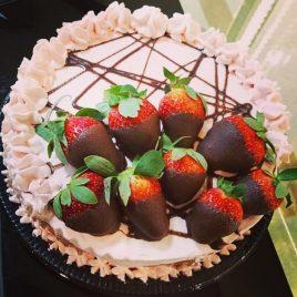 Torta Fit 20 cm Chocolate com Morango – Zero Açucar